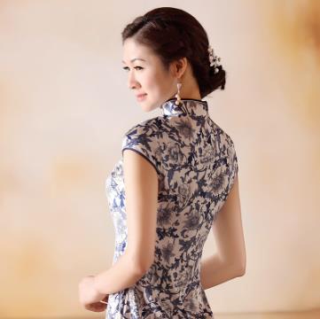 白底 兰牡丹 真丝重缎旗袍